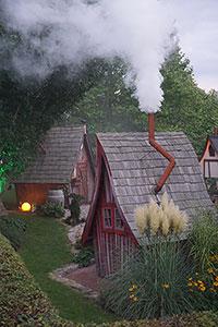 Lieblingsplatz ihr m rchenhaftes gartenhaus lieblingsplatz home - Hexen gartenhaus ...
